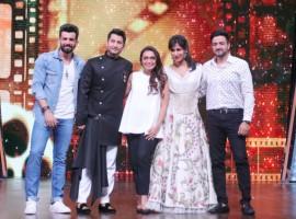 Rani Mukherjee with host Jay Bhanushali, judge Marzi Pestonji, Chitrangada Singh and Siddharth Anand at DID Lil' Masters reality show.