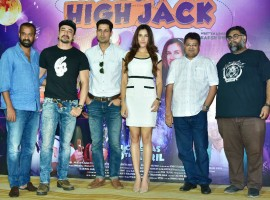 Producer's Madhu Mantena of Phantom films and Sameer Gogate, Head of Distribution and Monetization at Viu India along with Sumeet Vyas, Sonnalli Seygall, Mantra & Director Akarsh Khurana were present at trailer launch.