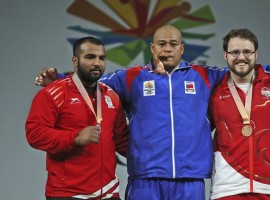 Indian weightlifter Pardeep Singh took silver in the men's 105 kilogram category at the 21st Commonwealth Games (CWG) here on Monday. Pardeep lifted 152 kg in snatch and 200 kg in clean and jerk to register a total of 352 kg. Sanele Mao of Samoa won gold with a total of 360 kg. He lifted 154 kg in snatch and 206 kg in clean and jerk.