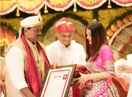 Bunts' Sangha, Pune, honoured the world's most beautiful woman Aishwarya Rai Bachchan with a Woman of Substance title at an event held by the Bunt community to felicitate the achievements of their people.