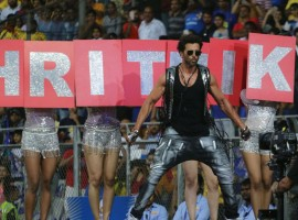 Superstar Hrithik Roshan not only stole the show with his stellar performance at the opening ceremony of IPL but his performance also became the high point of the ceremony. One of the best performers in Bollywood, Hrithik Roshan treated a live audience after a long time and the performance proves the wait was worth it.