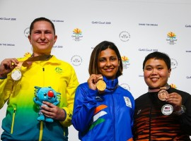 Indian shooter Heena Sidhu won gold in the women's 25 metre Pistol event at the 21st Commonwealth Games (CWG) here on Tuesday. Heena notched up a new CWG record of 38 points in the final to take the title in style. Elena Galiabovitch of Australia scroed 35 to take silver while Malaysia's Alia Sazana Azahari got bronze with 26.