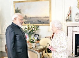 Indian Prime Minister Narendra Modi on Wednesday had an audience with Britain's Queen Elizabeth II here. This is Modi's second audience with the Queen in less than three years since his visit to Britain in November 2015. Modi will attend this year's Commonwealth Heads of Government Meeting (CHOGM) meeting here on Thursday and Friday, becoming the first Indian Prime Minister to attend the biannual event since 2009.