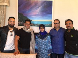 Superstar Salman Khan and producer Ramesh Taurani, who are currently busy here with the shoot of the third instalment of the