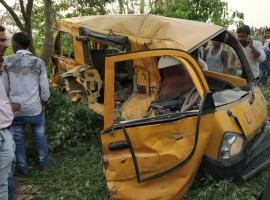 Thirteen school children were killed and six others seriously injured on Thursday when a train hit their van at an unmanned railway crossing in Uttar Pradesh's Kushinagar. The incident took place at the Dudhi Behpurva gate at 7.10 a.m. when the children were headed to the Divine Public School. The injured were rushed to Pandrauna Hospital, which is 30 km from the accident site. The train was on its way to Gorakhpur from Siwan.