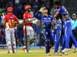 Mumbai Indians kept their play-offs hopes alive as the hosts edged past Kings XI Punjab by three runs in an Indian Premier League (IPL) match here on Wednesday. After a brilliant batting display, Mumbai bowlers managed to restrict Punjab to 183/5 to bag two crucial points. With this victory, Mumbai are now sitting at fourth spot with 12 points while Punjab slipped to sixth spot. Chasing 187, openers Lokesh Rahul (94) and Chris Gayle (18) provided a steady start, scoring 34 runs in four overs. But Gayle was departed in the same over by pacer Mitchell McClenaghan. Aaron Finch (46) and Rahul then forged a crucial 111-run partnership. The duo slammed Punjab bowlers all around the park and also played some beautifully crafted shots. But just when things seemed good in the middle, Finch was dismissed by pacer Jasprit Bumrah in the 17th over. His 35-ball knock was laced with three boundaries and one six.