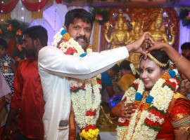 South Indian actor Soundararaja tied the knot with long-time beau Tamanna as per Hindu customs in Madurai. The marriage of Soundararaja-Tamanna was a private affair and it was attended by the couple family members and close friends. Soundararaja acted in Varuthapadaatha Vaalibar Sangam,Jigardhanda,Ennaku Veru Engum Kizhaigal Kidayadhu, Thangaratham, Dharmadurai, Oru Kanavu Pola and Thiruttu Payaley 2. Soundararaja also has a handful of Tamil projects in his kitty, including Silukuvaarpatti Singam, Eeduley and Kadaikutty Singam. At this juncture, IBTimes conveys our hearty wishes to the newly wed couple.