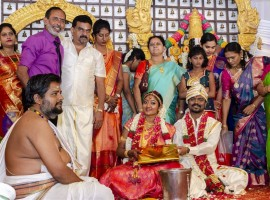 South Indian director Rajkumar Periasamy, who impressed us all with his debut movie Rangoon tied the knot with long-time beau Jaswini as per Hindu customs in Chennai today. The marriage of Rajkumar Periasamy-Jaswini was a private affair and it was attended by the couple family members and close friends. Celebs like AR Murugadoss, television anchor Dhivyadharshini, Gopinath Chandran and others graced the event. At this juncture, IBTimes conveys our hearty wishes to the newly wed couple.