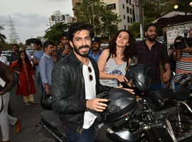 Ahead of the Bhavesh Joshi Superhero's release actors Harshvardhan Kapoor and Taapsee Pannu were spotted on a bike together for Bhavesh Joshi promotions. On Sunday the actors took time from their busy schedule and were seen enjoying a bike ride in the suburbs of Mumbai. Dressed in biker gears, the two stars had quite a blast as the Harshvardhan rode along the roads of Mumbai with an excited Taapsee sitting behind him. Harshvardhan has earlier made impromptu appearances at Deadpool screening and GQ Best Dressed as BJS wearing the mask. The film marks Harshvardhan Kapoor's second outing where he turns social crusader in his fight against corruption as the common man turns Superhero in the vigilante drama. The action-packed trailer which was loved by the audience traces the journey of a group of friends who set out on the path of righteousness.