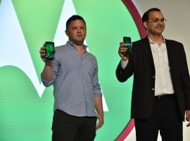 Eyeing a bigger pie of India's vast budget smartphones market, Motorola India on Monday introduced the Moto G6 series in the country with the launch of two devices -- Moto G6 and Moto G6 Play. While the Moto G6 Play will be available for Rs 11,999 on Flipkart, the Moto G6 will available for Rs 13,999 on Amazon India and at over 600 Moto Hub stores in the country, the company said. Moto G6 features the edge-to-edge, Full HD+