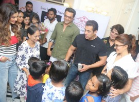 The makers of Race 3 organised a special screening for Aids patients in the city last evening. Actor Salman Khan along with Jacqueline Fernandez, Bobby Deol and Daisy Shah attended the screening organised for kids who are suffering from Aids. All the kids across the city had come to witness the Salman Khan starrer action franchise on the big screen. Team Race 3 indulged in multiple activities with the kids followed by clicking pictures and had fun interactions. In trend with Salman Khan's Eid releases, Race 3 has kickstarted its box office journey with a bumper opening!