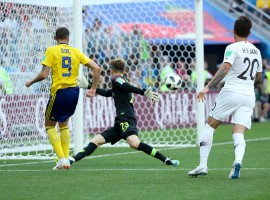 It was Sweden captain Andreas Granqvist's 65th-minute penalty conversion which created the difference between the two sides. Granqvist took a penalty following a video review and slotted the ball into the bottom right corner, with the goalkeeper diving the other way. This was South Korea's first loss in their World Cup opener since 1998, reports Yonhap news agency. South Korea put on some early pressure before Sweden turned the tide in their favour. For all their superior possession numbers early, South Korea made just one shot attempt, and none on target, in the first half, while Sweden had eight attempts, with two on target. South Korea had a 4-3-3 formation to start the match, with a couple of surprises. In goal, Jo Hyeon-woo made his World Cup debut over supposed starter Kim Seung-gyu. Kim Shin-wook, the tallest South Korean player at 197 centimetres, also got the nod as a starting forward up front, though he had been seen as a possible option off the bench. He was flanked by Son Heung-min and Hwang Hee-chan.