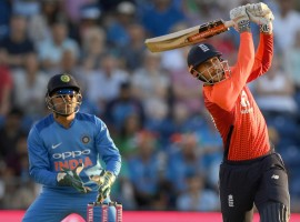 Needing 11 runs in the last over, Hales (58 not out) did the task with two balls remaining. He slammed Bhuvneshwar Kumar to a six on the first ball of the 20th over and then hit a boundary to make sure England reach target with ease. With this victory, England made 1-1 in the three match series. Right from the start, England were better team with both bat and ball. Firstly their bowlers did a fantastic job to restrict India to a below-par 148/5 and then batsmen, especially Hales and Johnny Bairstow (28). Chasing a below par score, England made a steady start but in the third over England lost their first wicket as opener Jason Roy (15) was clean bowled by pacer Umesh Yadav. Soon Jos Buttler (15) and Joe Root (9) were also sent packing by Umesh and leg-spinner Yuzvendra Chahal respectively. Now with scoreboard reading 44/3 in seventh over, Hales came in the middle and tried to steady the ship with skipper Eoin Morgan (17) but the latter failed to support Hales and was dismissed by Hardik Pandya.