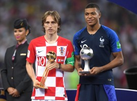 England's Harry Kane won the Golden Boot award while Croatia captain Luka Modric walked away with the Golden Ball of the 2018 FIFA World Cup here on Sunday. Apart from the duo, France's 19-year-old striker Kylian Mbappe was the winner of the Young Player Award, while Belgian goalkeeper Thibaut Courtois, who made 27 saves, was named as the winner of the Golden Glove, reported Xinhua news agency. Courtois emerged as the best custodian after conceding just five goals in seven matches. Kane ended with six goals; two more than Antoine Griezmann, who was joined on four by Romelu Lukaku of Belgium and Russia's Denis Cheryshev.
