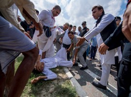 Former Uttar Pradesh Chief Minister Akhilesh Yadav on Tuesday helped accident victims lying in a pool of blood on Agra-Lucknow Expressway by getting them rushed to hospital in one of his convoy vehicles. The accident took place near Tala Sarai in Hasanganjarea in Unnao. Akhilesh passing by took cognisance and directed his convoy to stop in order to help the accident victims. The incident came to light after a video showcasing Akhilesh along with his party supporters providing aid to the injured went viral on social media platforms.