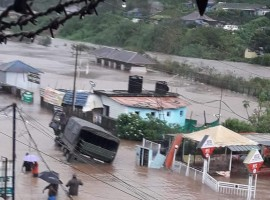 Kerala: Munnar inundated, isolated by floods