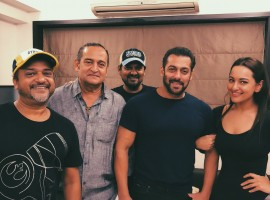 Salman Khan and Sonakshi Sinha confirm Dabangg 3 release year on 8th its anniversary