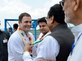 Congress President Rahul Gandhi arrives in Bhopal