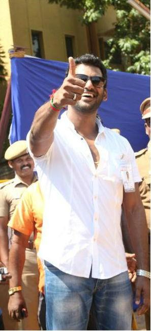 Nadigar Sangam Election,Nadigar Sangam Election 2015,Vishal,Pandavar Ani,Sarathkumar
