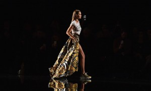2019 Versace Pre-Fall Collection