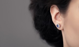 The curved upper area of your ear (helix) is a cool place to get your new tattoo done. A tattoo artist can create delicate artwork on the ears. And, you never have to worry about wearing earrings. Theses helix tattoos are taking over the Instagram. These dainty ink designs are pretty awesome. You might even want to get one.