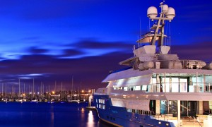 Possession of a mega yacht means exorbitant luxury and unrivalled wealth. Luxury yachts are unquestionably vogue as they turn everything into beauty. Only the wealthy individuals can possibly afford such a unique yacht. Dozens of rooms with advanced amenities, glimpse of these yachts itself is a celebration for every eyes. Here are the top 5 expensive grand mansions floating on the sea.
