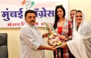 mohammed-shamis-estranged-wife-hasin-jahan-joins-congress