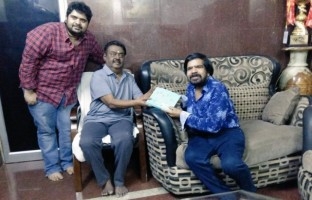 t-rajendar-invites-captain-vijayakanth-kuralarasans-wedding