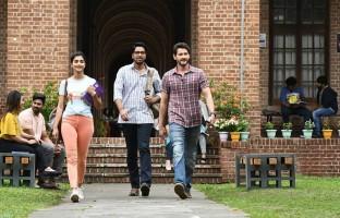 maharshi-movie-stills-featuring-mahesh-babu-pooja-hegde-allari-naresh