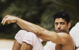 5th-anniversary-bhag-milkha-bhag-lets-take-look-farhan-akhtars-envious-body-transformation
