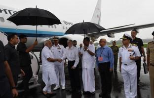 pmmodi-arrives-kochi-aerial-survey-kerala-flood-affected-areas