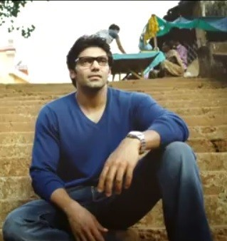 "Arya (Screenshot from official trailer of ""Irandam Ulagam"" on YouTube)"