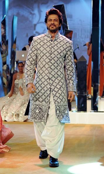 Shahrukh Khan,happy birthday Shahrukh Khan,Shahrukh Khan birthday,Shahrukh Khan birthday celebration,Shahrukh Khan pics,Shahrukh Khan images,Shahrukh Khan stills,Shahrukh Khan pictures,Shahrukh Khan photos