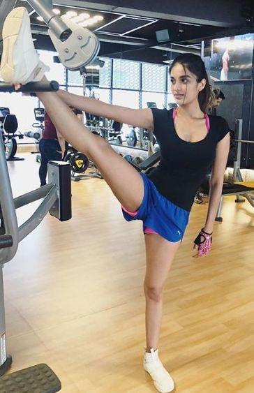 Munna Michael,Munna Michael actress,Munna Michael actress Nidhhi Agerwal,Nidhhi Agerwal,Nidhhi Agerwal workout,nidhhi agerwal pictures,Nidhhi Agerwal workout sessions,Nidhhi Agerwal images