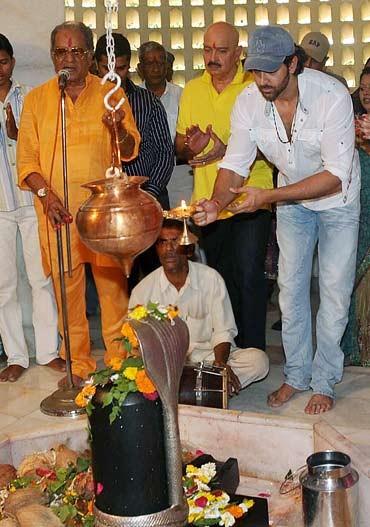 Tiger Shroff,Hrithik Roshan,Sanjay Dutt,Lord Shiva's Bhakts
