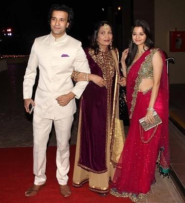 TV star Aamir Ali Attends the wedding (Varinder Chawla)