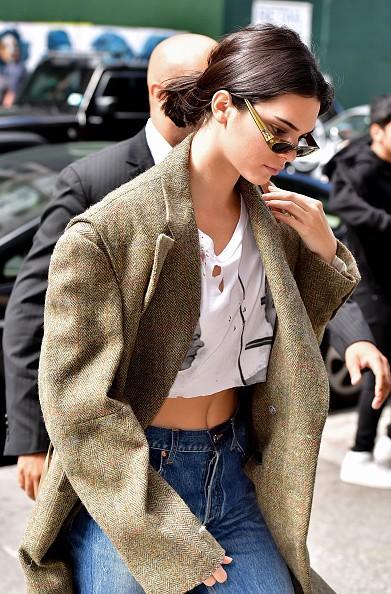 Kendall Jenner,Kendall Jenner bikini pics,Kendall Jenner bikini images,Kendall Jenner bikini stills,Kendall Jenner curves,Kendall Jenner curves pics,Kendall Jenner flaunts curves,Kendall Jenner curves pics,Kendall Jenner curves images,Kendall Jenner curve