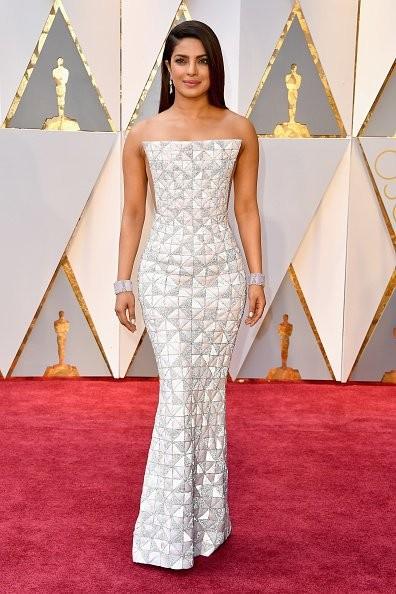 Oscars 2017,Oscars,Priyanka Chopra,Priyanka Chopra at Oscars 2017,Priyanka Chopra at Oscars,Oscars 2017 pics,Oscars 2017 images,Oscars 2017 photos,Oscars 2017 stills,Oscars 2017 pictures