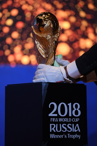 FIFA World Cup,FIFA World Cup 2018,FIFA Legends Fan,FIFA Fans,Fans take selfies,Fans take selfies with FIFA World Cup,FIFA World Cup pics,FIFA World Cup images,FIFA World Cup stills,FIFA World Cup pictures