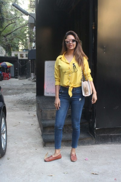Esha Gupta,Esha Gupta at Tip & Teo salon,Esha Gupta at salon,hot Esha Gupta,Esha Gupta latest pics,Esha Gupta latest images,Esha Gupta latest stills,Esha Gupta latest pictures,Esha Gupta latest photos
