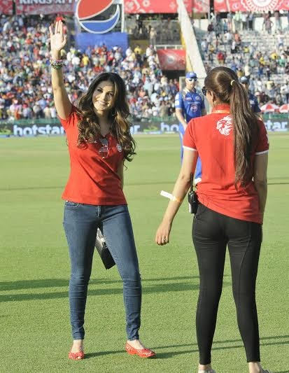 Sunny Leone During IPL Match in Mohali,Sunny Leone,actress Sunny Leone,Sunny Leone latest pics,hot Sunny Leone,Sunny Leone hot pics,Sunny Leone in Kings XI Punjab jersey,Sunny Leone in ipl