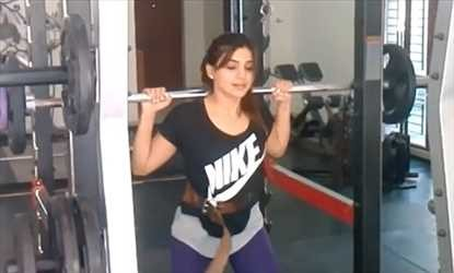 South Indian Actress Workouts in Gym,Actress Workouts in Gym,Actress in Gym,indian actress gym,tamil actress in gym,Gym Workouts