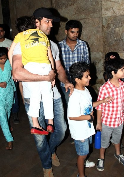 Hrithik Roshan with his childrenat special screening of 'X-Men: Days of Future Past'