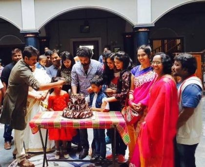 Photos of Power Star Pawan Kalyan celebrates Siva Balaji's birthday on the sets of Katama Rayudu.