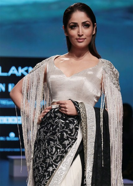 Yami Gautam,actress Yami Gautam,Yami Gautam at LFW,Yami Gautam at Lakme Fashion Week,Lakmé Fashion Week,Lakmé Fashion Week 2018,hot Yami Gautam,Yami Gautam in saree