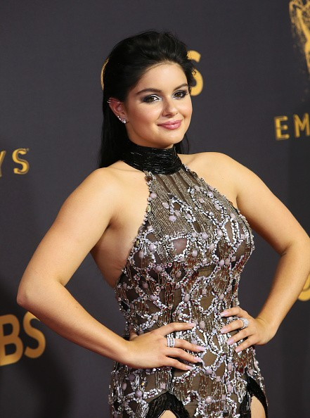 Ariel Winter,Ariel Winter suffers wardrobe malfunction,Ariel Winter wardrobe malfunction,Ariel Winter wardrobe malfunction at Emmys red carpet,Ariel Winter wardrobe malfunction at Emmys,Ariel Winter wardrobe malfunction pics,Ariel Winter wardrobe malfunct
