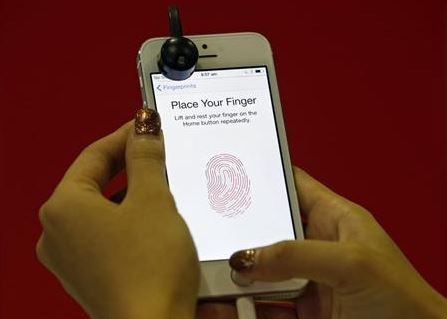 Apple iPhone 5S Fingerprint 'Touch ID' Security Feature