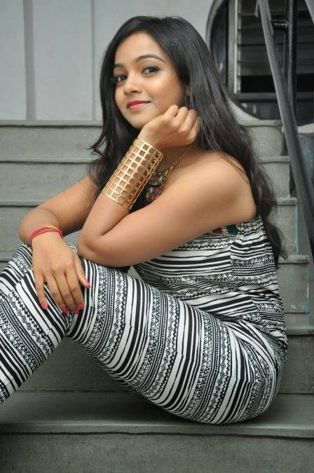 Nithya Shetty At Dagudumoota Dandakore Movie Premier Show,Dagudumoota Dandakore Movie Premier Show,Dagudumoota Dandakore Premier Show,Dagudumoota Dandakore,Nithya Shetty,actress Nithya Shetty,Nithya Shetty pics,Nithya Shetty images,Nithya Shetty photos,ho