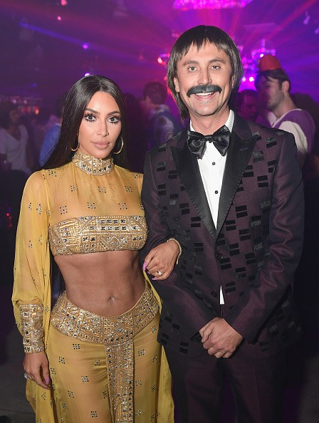 Kim Kardashian and Jonathan Cheban,Kim Kardashian,Jonathan Cheban,Casamigos Halloween Party,Kim Kardashian boy friend,Kim Kardashian flaunts her sensational figure,Kim Kardashian sensational figure,Kim Kardashian flaunts her figure,Kim Kardashian flaunts