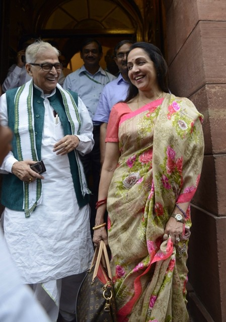 Dream Girl Hema Malini at Parliament,Dream Girl,Hema Malini,hema malini photos